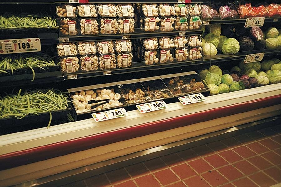 Fresh-Fit® Single- and Multi-Compartment Merchandisers